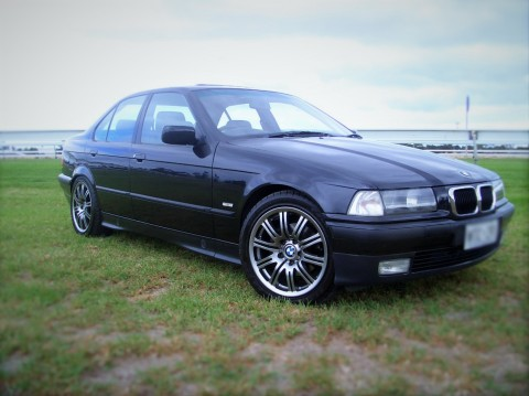 Smooth Operator: BMW E36 323i Executive