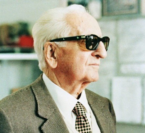 Grave robbers try to nab Enzo Ferrari!